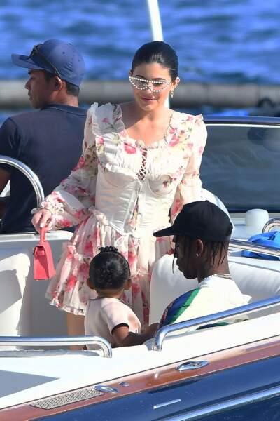 Kylie Jenner, Travis Scott et leur fille Stormi poursuivent leurs vacances en France