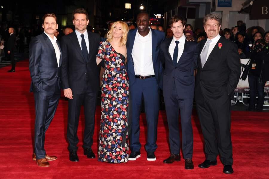 Daniel Bruhl, Bradley Cooper, Sienna Miller, Omar Sy, Sam Keeley et le réalisateur John Wells