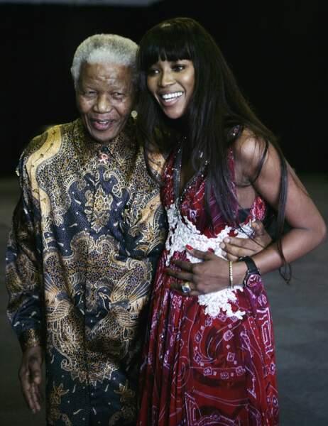 """Naomi Campbell entretenait une relation privilégiée avec Mandela, qu'elle appelait son """"grand-père"""""""