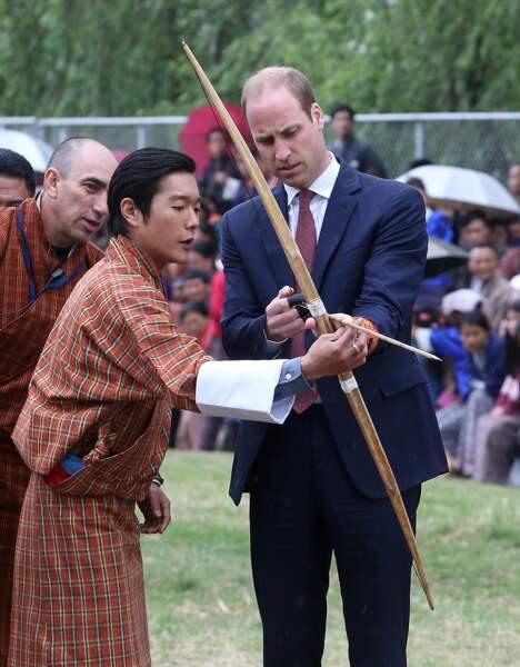 Le prince William prend quelques conseils avant de tirer