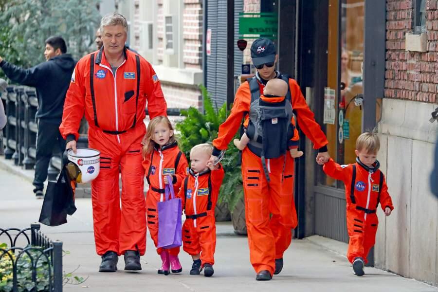 Alec et Hilaria Baldwin (et leurs 36 enfants) sont prêts à coloniser une nouvelle planète !