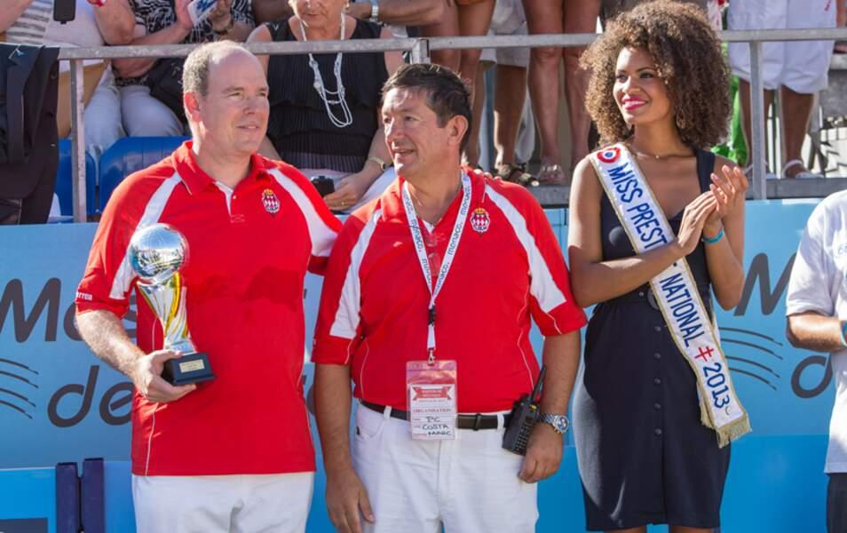Albert II récupère la coupe des champions