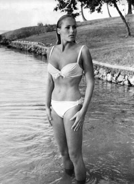 Ursula Andress époque James Bond (1962)