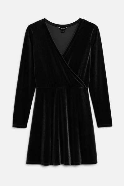 Robe en velours, Monki, 25€