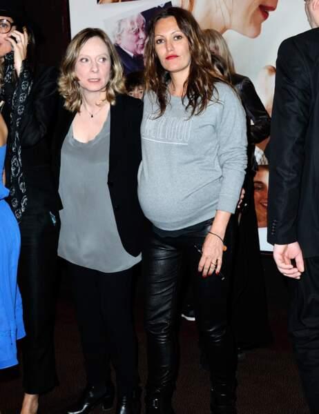 Karole Rocher, très enceinte, et la réalisatrice du film Cécile Telerman