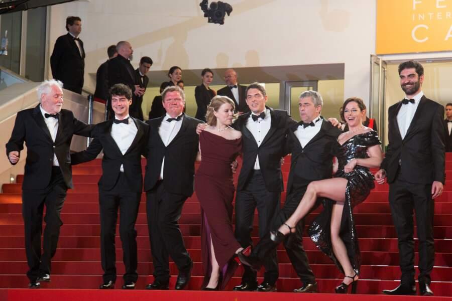 Cannes 2016: Laure Calamy a montré sa culotte lors de la montée de Rester Vertical