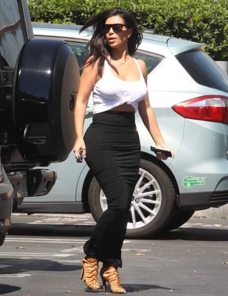 Kim au naturel (ou presque)