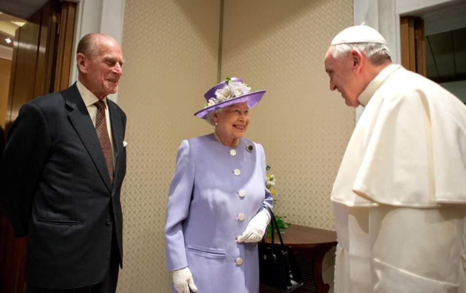 C'est la première fois que la Reine rencontre le pape François
