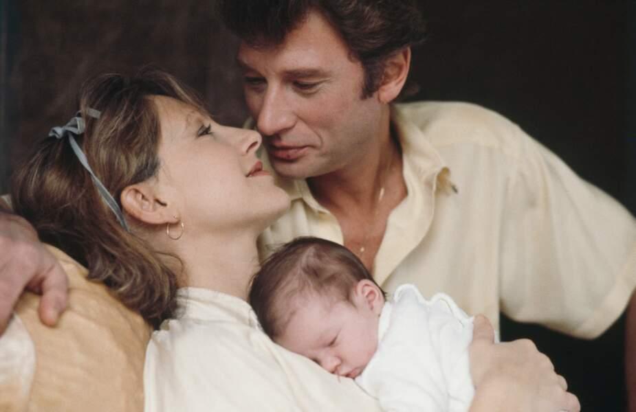 Novembre 1983 : Nathalie Baye et Johnny Hallyday avec leur fille Laura Smet