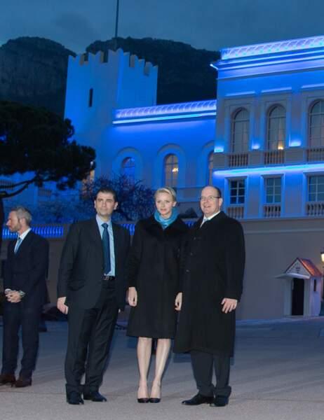 Le couple princier avec le président de l'association