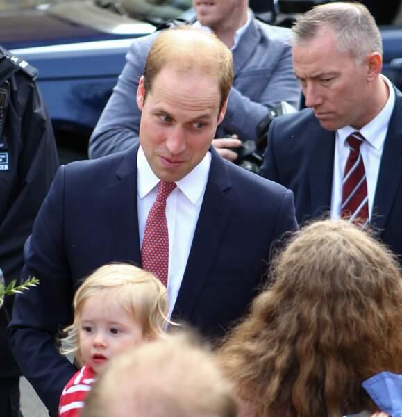 Le prince William, jamais très loin de son épouse