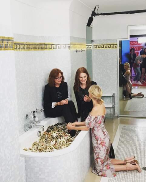 Insta Cannes 2016 : Susan Sarandon, Naomi Watts et Julianne Moore dans un bain de rouges à lèvres L'Oréal.