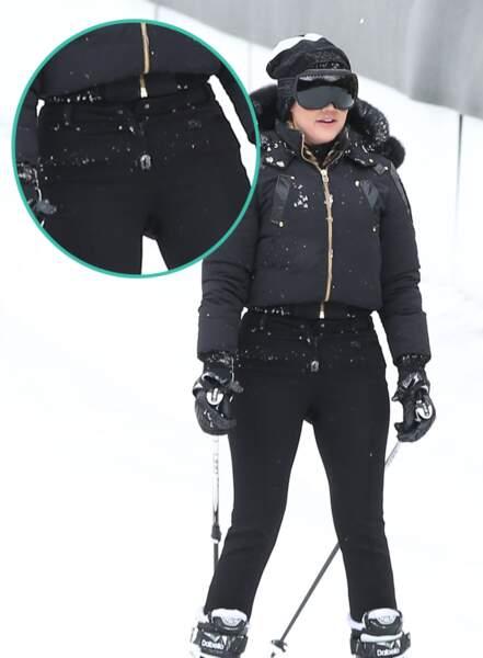 Et oui elle est prête, à un tout petit détail près : son pantalon n'est pas boutonné !
