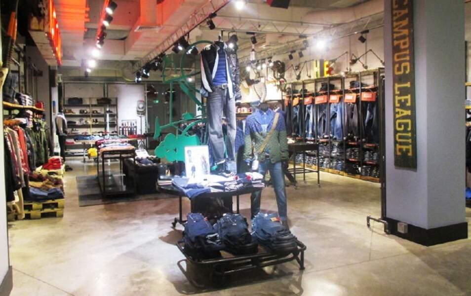 Boutique des Champs Elysées