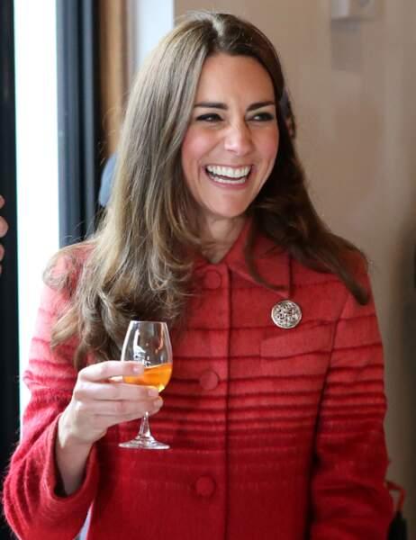 Les effluves de whisky rendent la Duchesse fort guillerette