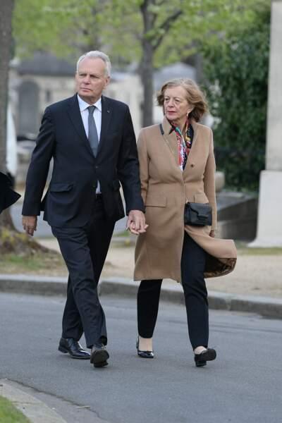 Jean-Marc Ayrault et sa femme aux obsèques d'Agnès Varda au cimetière du Montparnasse