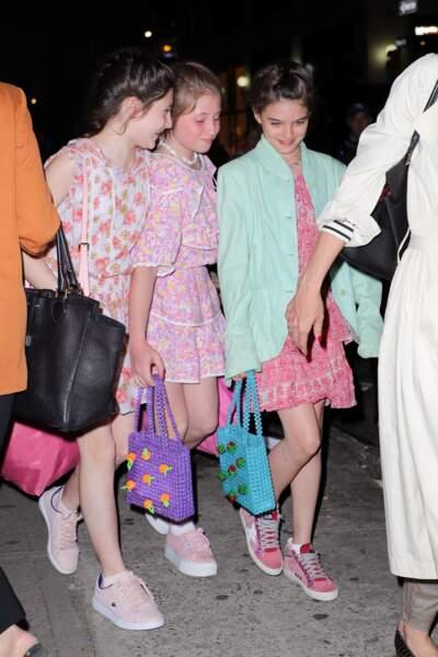 Katie Holmes emmène sa fille Suri et ses amies au restaurant Delicatessen à New York pour ses 13 ans