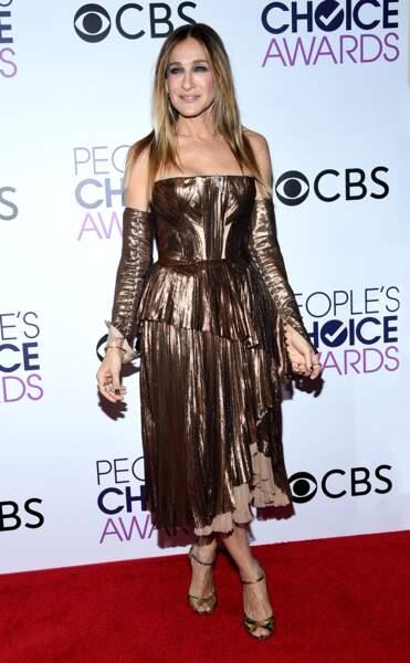 People's Choice Awards 2017 : Sarah Jessica Parker brillait de mille feux en J.Mendel