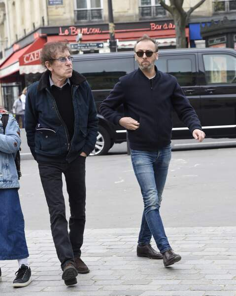 Alain Souchon et son fils Ours, à l'hommage à Jacques Higelin au Cirque d'Hiver à Paris, le 12 avril