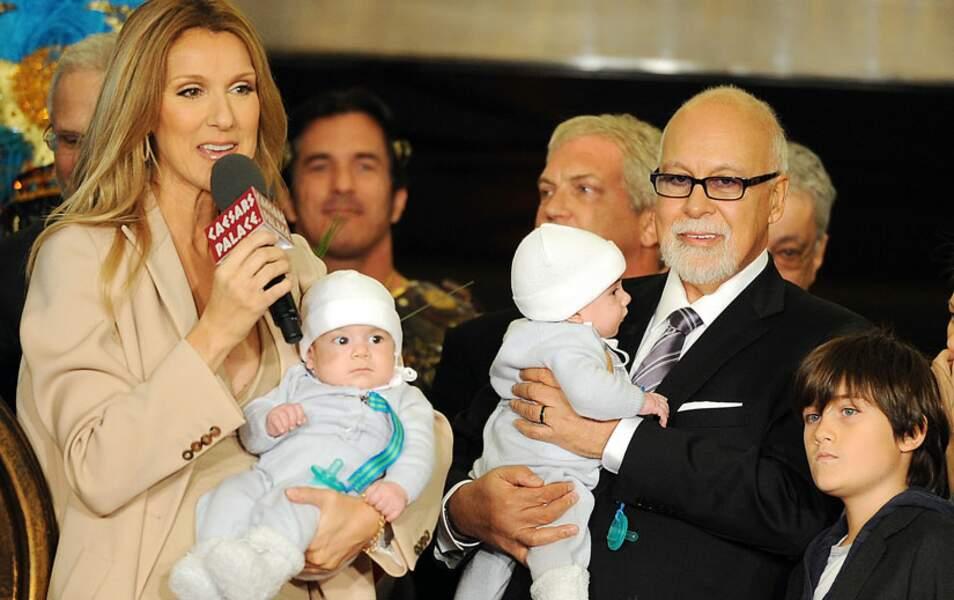 En octobre 2010, les époux présentent leurs jumeaux, Eddy et Nelson, sur la scène du Caesar Palace de Las Vegas