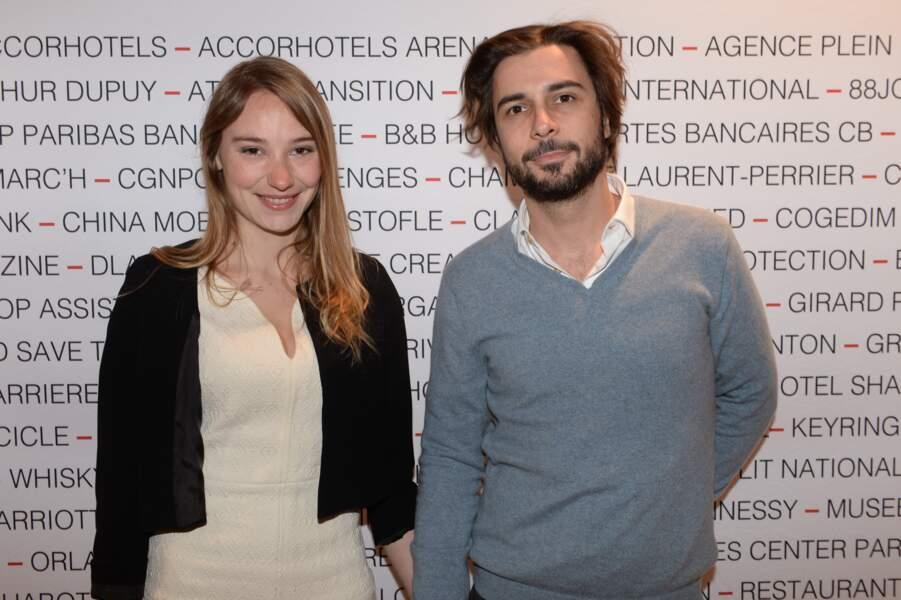 Deborah François et son compagnon Victor au Pavillon Gabriel à Paris le 8 mars 2019