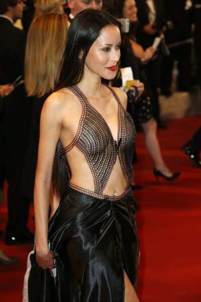 Cannes 2016: c'était tout ou rien. Pour son tapis rouge, cette dame a tout donné.