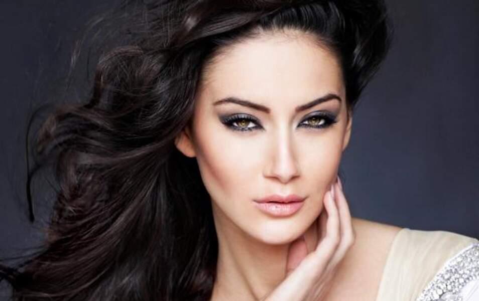 Miss Kosovo Antigone Sejdiu, 19 ans, 1m76