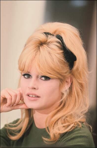 France Gall : elle a mis la frange à la mode ! - Brigitte Bardot