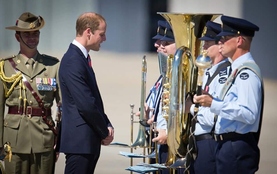 Le prince William a passé en revue les troupes