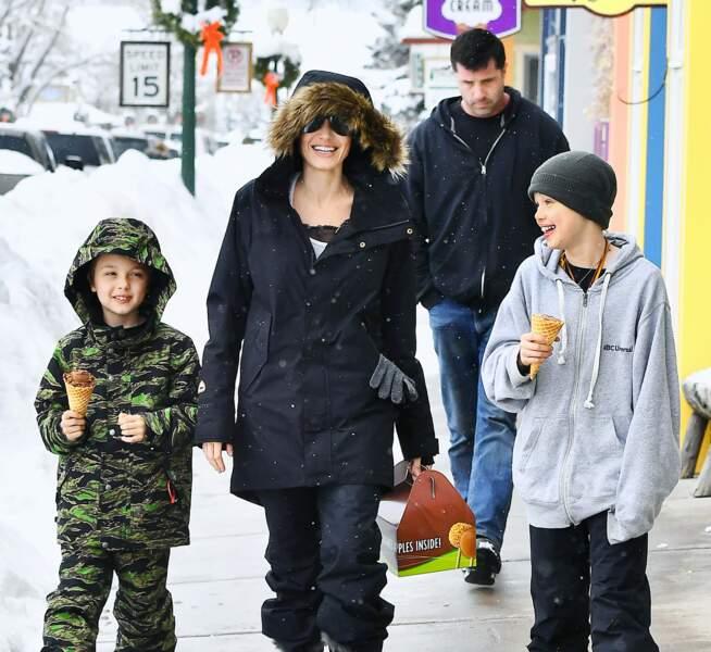 Angelina Jolie : avec Shiloh et Knox, le bonheur est total