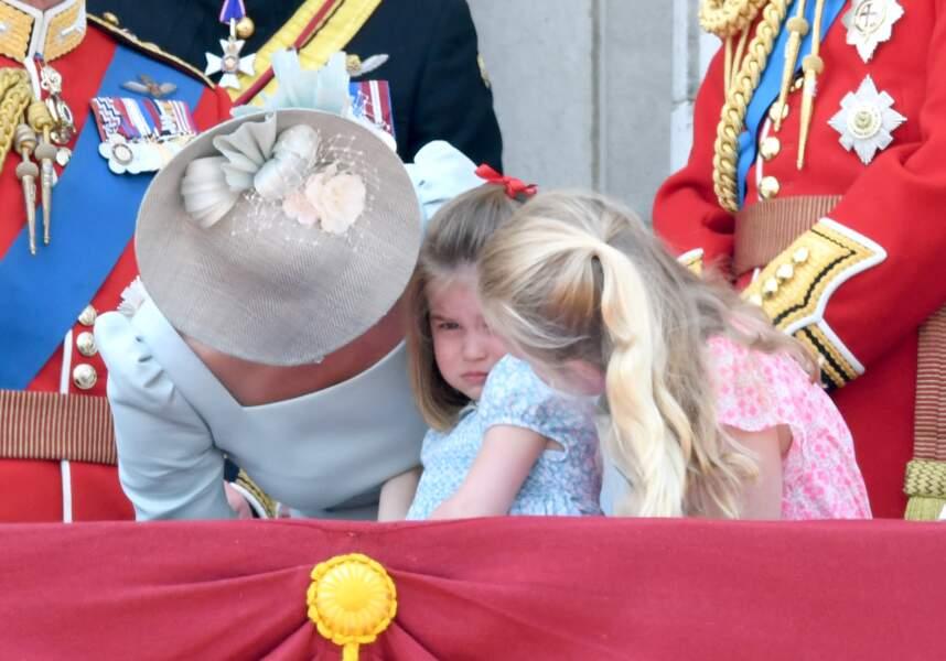 Après une vilaine chute, la princesse Charlotte fond en larmes