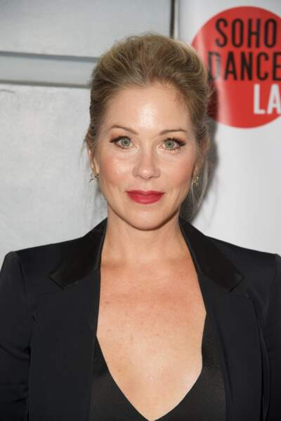 À quoi ressemblent les stars des séries télé des années 90 - Christina Applegate aujourd'hui
