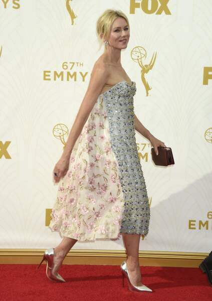 Naomi Watts avait enfilé une robe bi-goût
