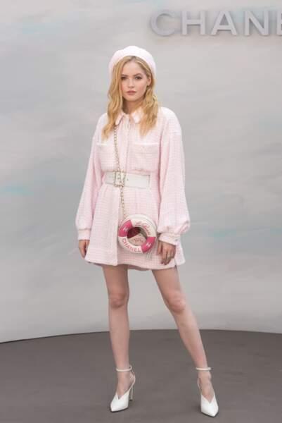 Défilé Chanel : Ellie Bamber