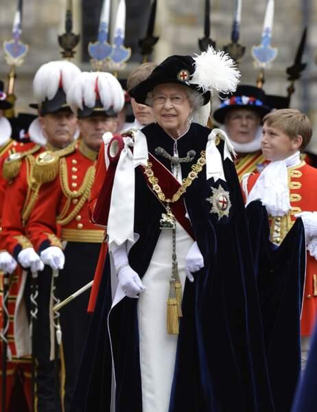 ... pour la traditionnelle cérémonie de l'Ordre de la Jarretière, remis par la reine Elizabeth II
