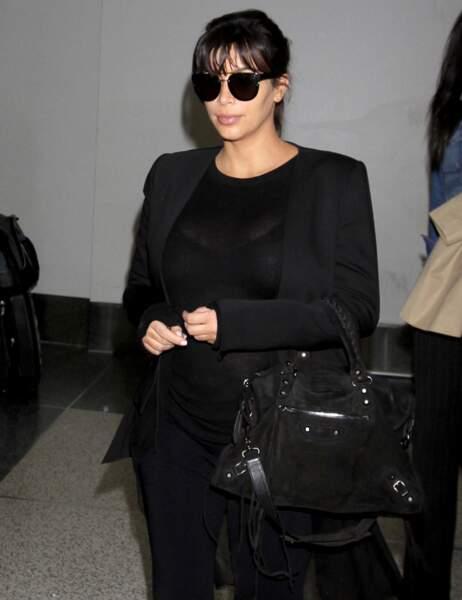 Sans flash, rien à signaler sur la tenue de Kim Kardashian...
