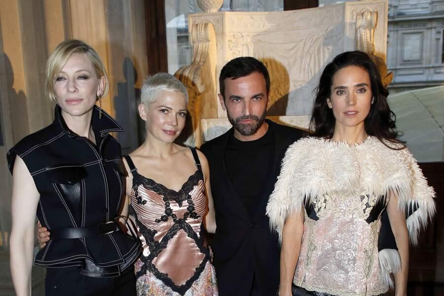 Soirée Louis Vuitton x Jeff Koons au Louvre : Nicolas Ghesquière et ses muses