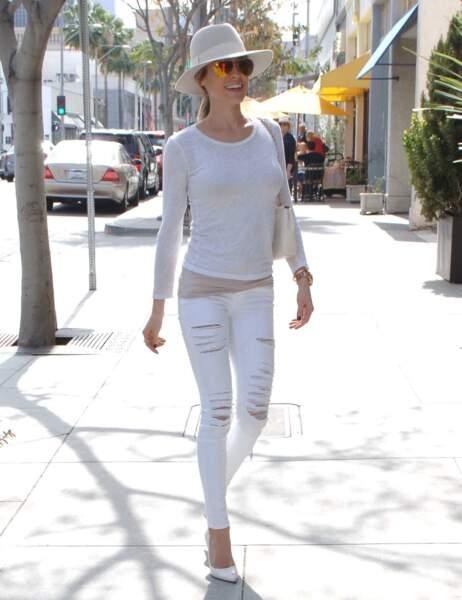 Tout comme Kristin Cavallari, toute de blanc vêtue