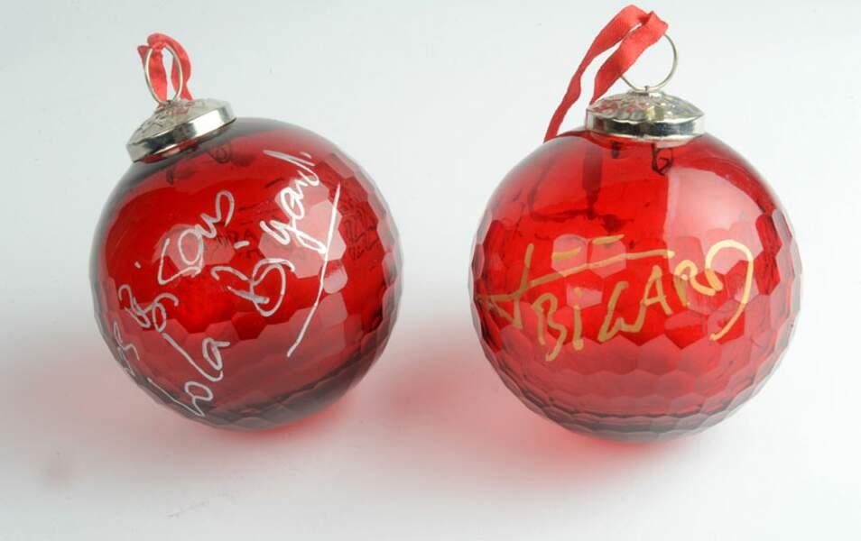 Sinon, pour votre sapin, vous avez les boules de Jean-Marie Bigard et Lola Marois