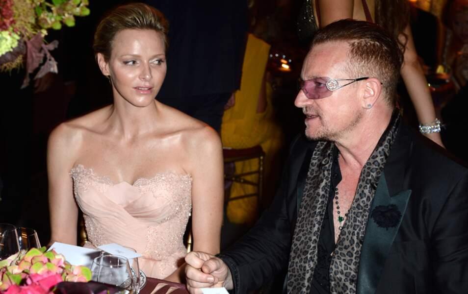 Charlène de Monaco à table aux côtés de Bono