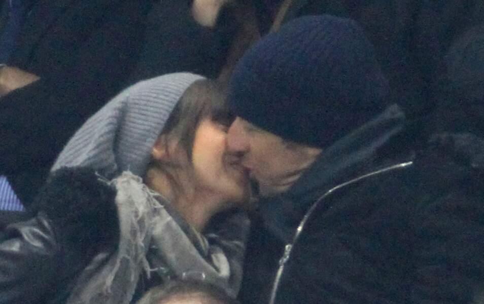 Patrick Bruel embrasse sa petite amie