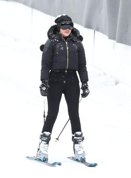 Khloé Kardashian, hyper concentrée, prête à dévaler les pistes
