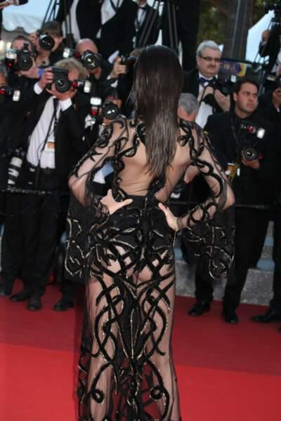 Cannes 2016: la robe Cavalli de Kendall Jenner a dévoilé un peu de son derrière!