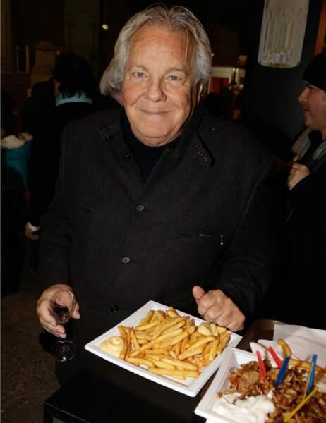Quand à Massimo Gargia, il se laisse tenter par une bonne assiette de frites - mayo