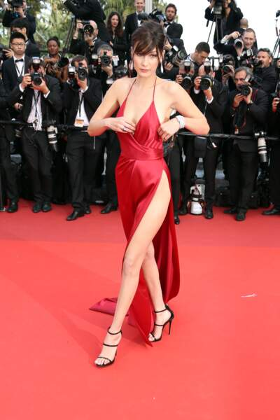 Festival de Cannes, les accidents de tenue les plus sexy - Bella Hadid le savait, cette robe est piégeuse