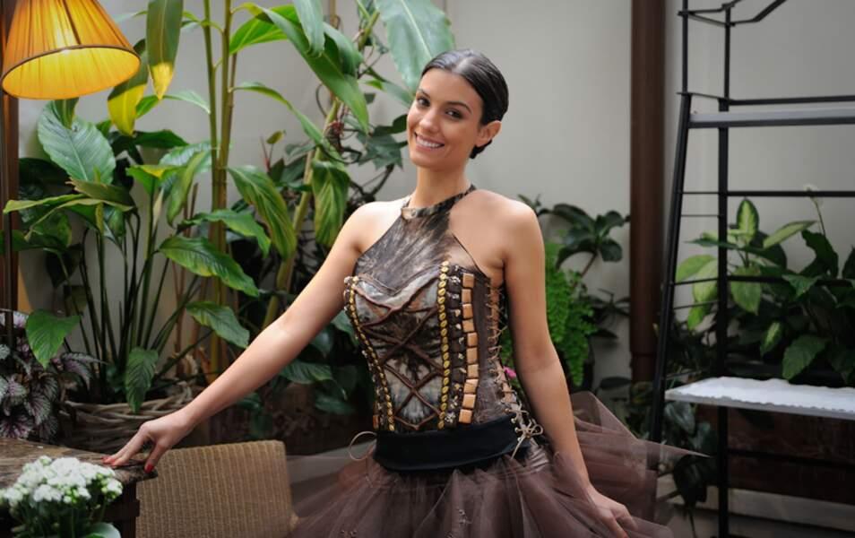 Ludivine Sagna a essayé sa robe pour le Salon du chocolat