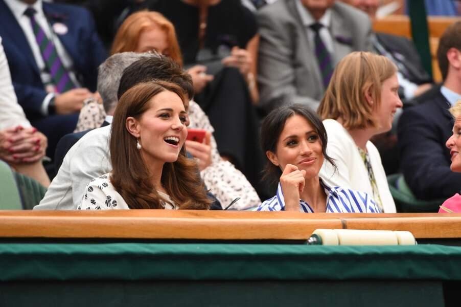 Kate Middleton et Meghan Markle se montrent très complices pour leur première sortie officielle