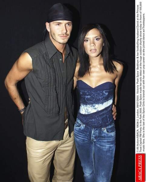 David Beckham en 2000: il copie le look d'Usher (et ça marche pas trop)