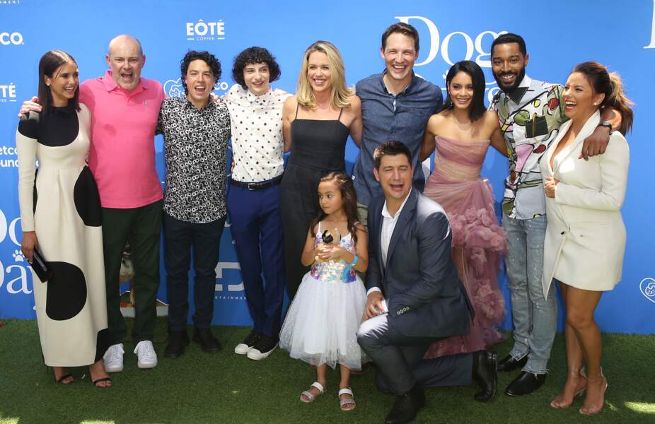 Eva Longoria et le casting du film Dog Days, à Los Angeles