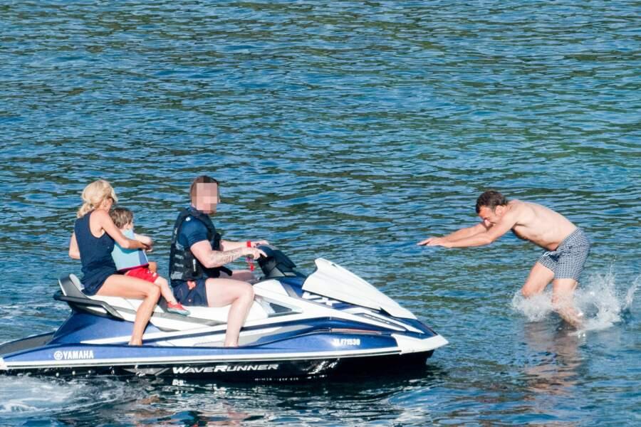 Emmanuel et Brigitte Macron à la plage : leurs vacances canon !
